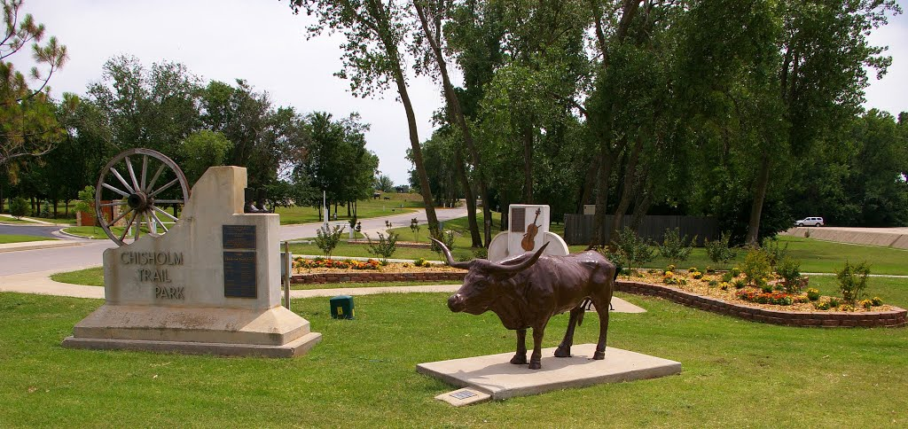 Entrance to Chisholm Trail Park